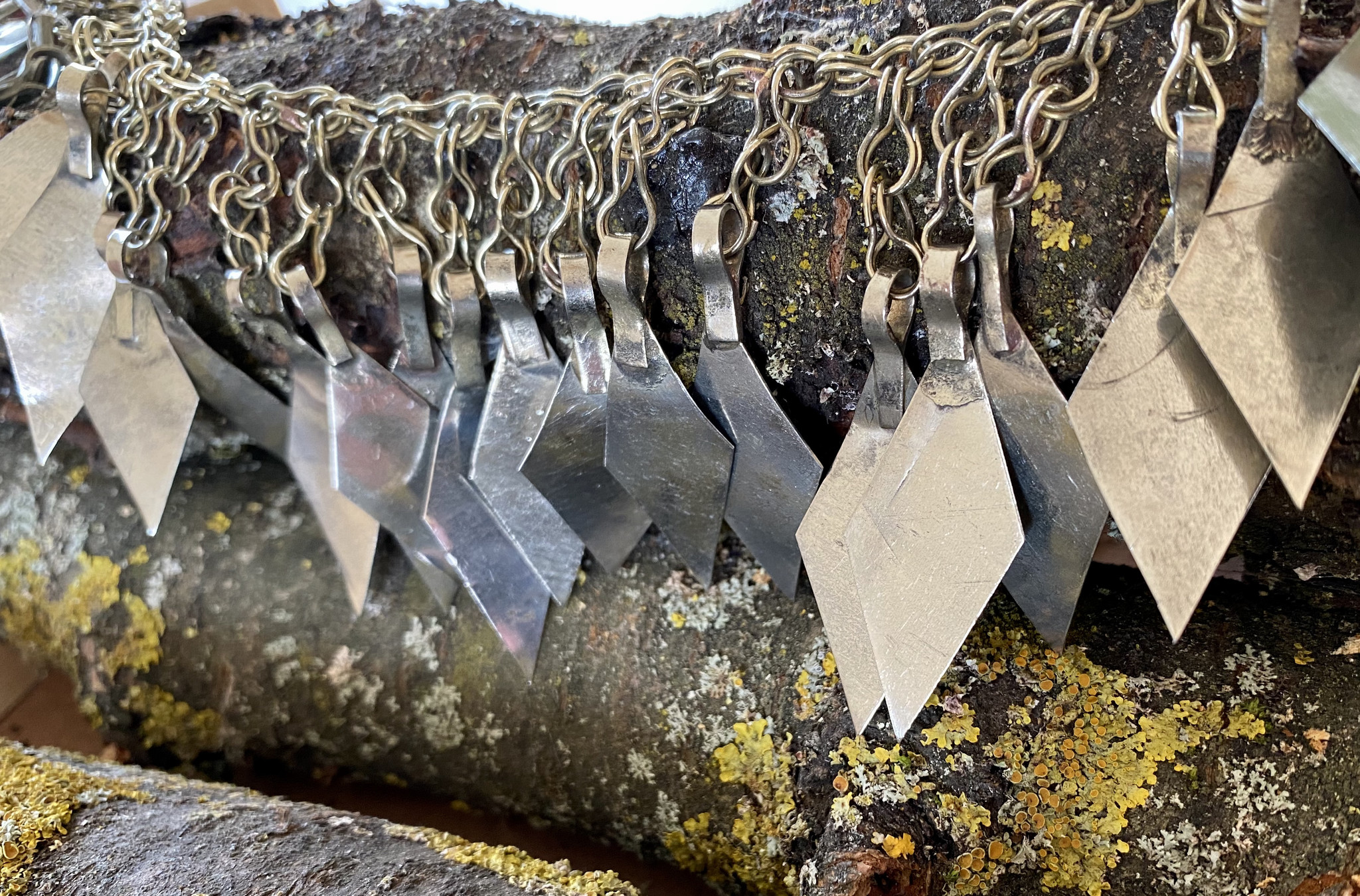 Metall Rauten Anhänger an Kette