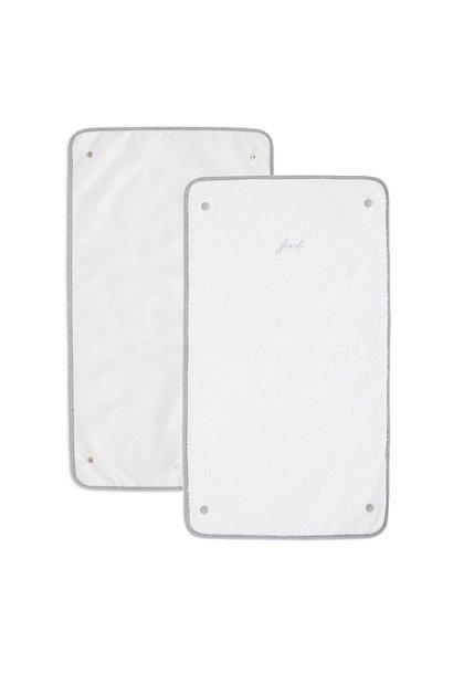2 zusätzliche Tücher zum Wechseln der Polsterabdeckung First