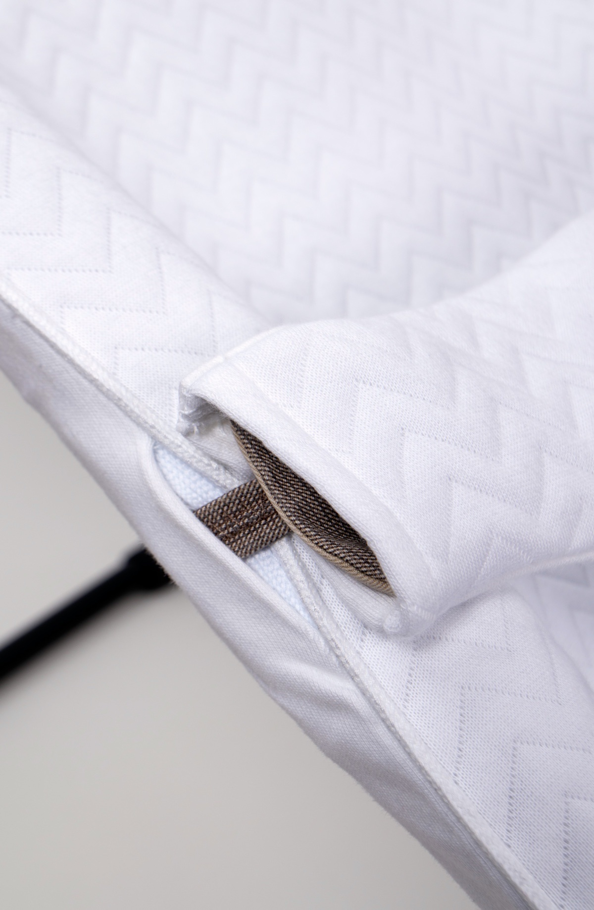 Cover Babysitter Babybjorn  Poetree Chevron White Collection-4