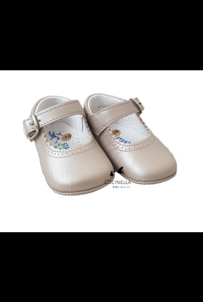 Schoenen M16