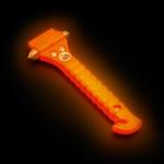 Lifehammer Dubbele hamer met geharde punten om ramen in enkele seconden te verbrijzelen. Ingebouwd, vlijmscherp Solingenmes voor het doorsnijden van gordels. Door zijn fluoriscerende kop is de noodhamer in het donker altijd makkelijk te vinden.