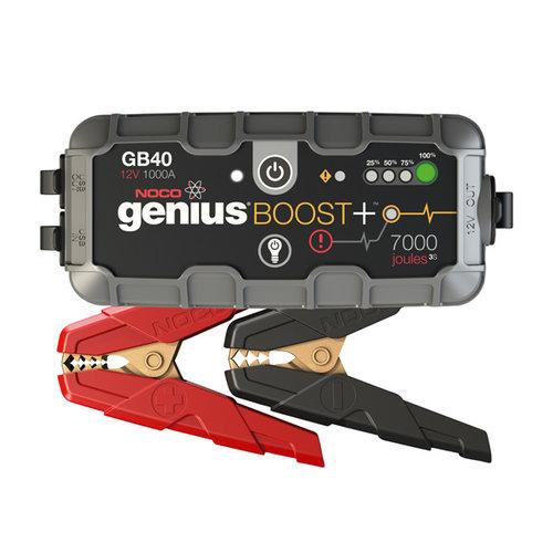 Noco genius 1000 ampère jumpstarter voor lithium-ion accu's. Veilige vonkvrije verbinding en bescherming tegen omgekeerde polariteit. Voeding voor het opladen van USB apparaten en LED-zaklamp met meerdere functies.