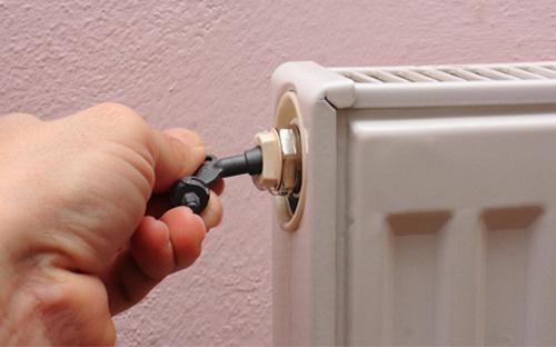 Hoe ontlucht ik mijn radiatoren? Stap voor stap ontluchten