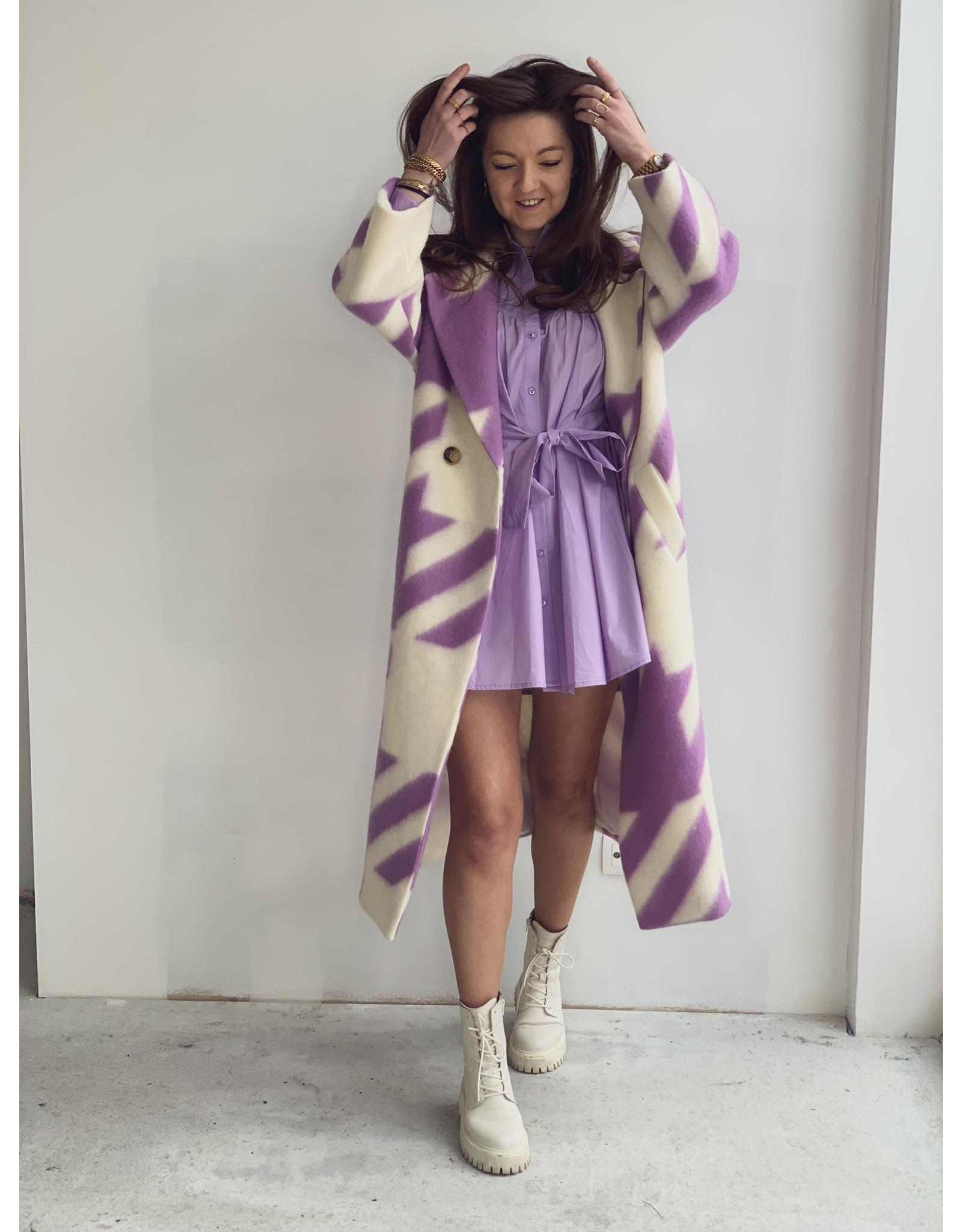 Color Coat Lila White