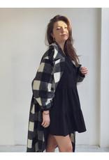 Color Coat Black White