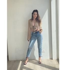 Back Cut Detail Mom Jeans
