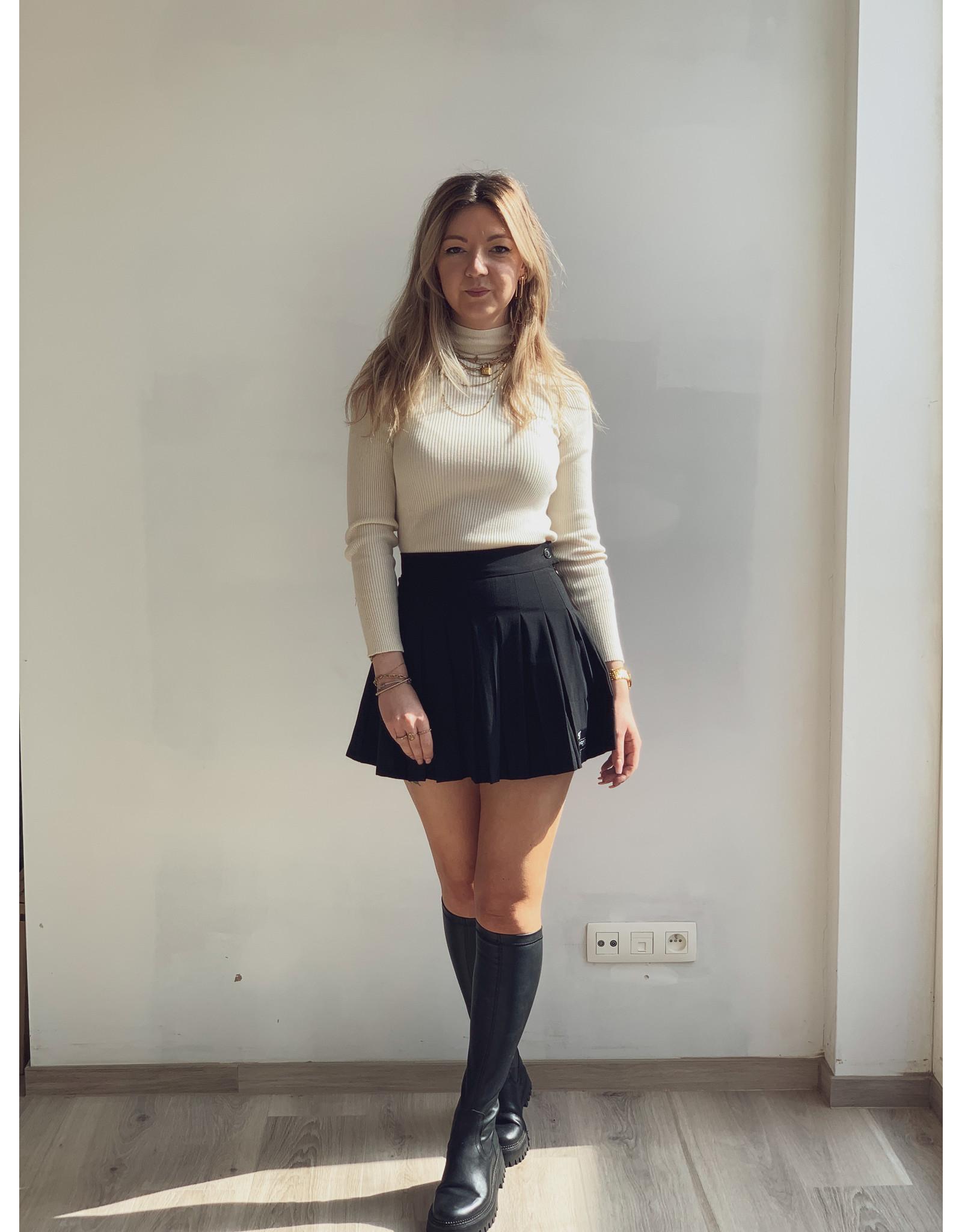 SJ Pleated short skirt Black