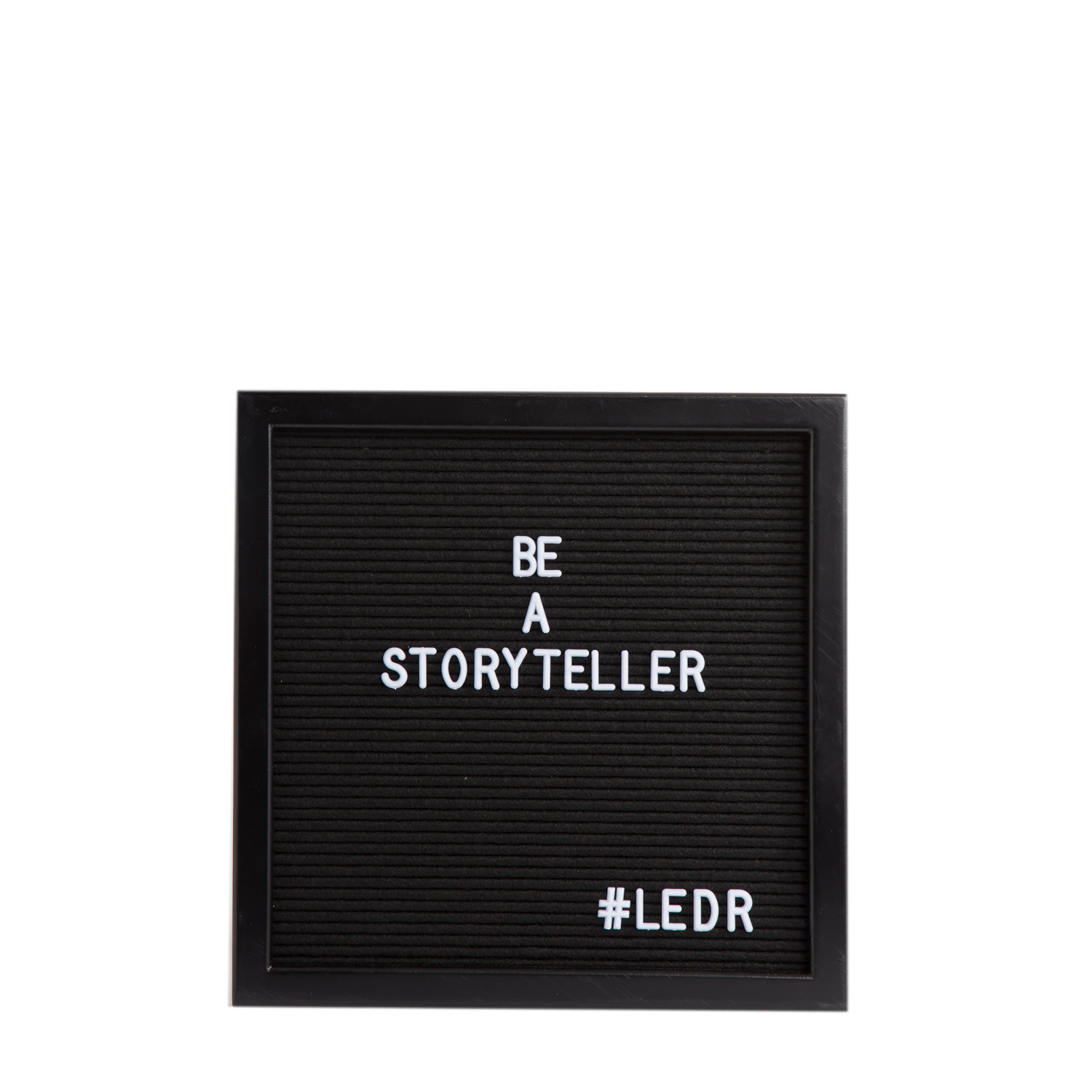 Letterboard All Black 30 x 30 cm-1