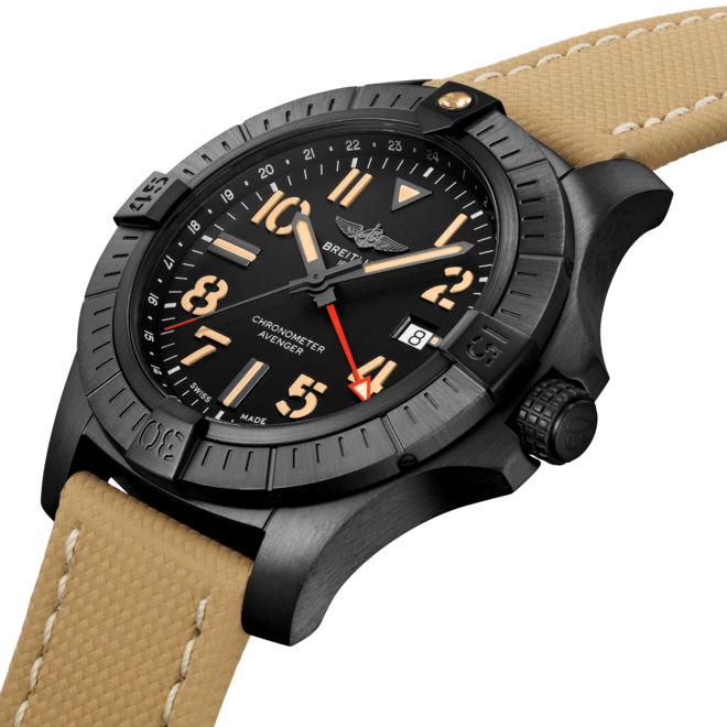Breitling Avenger Automatic GMT 45 V32395101B1X1