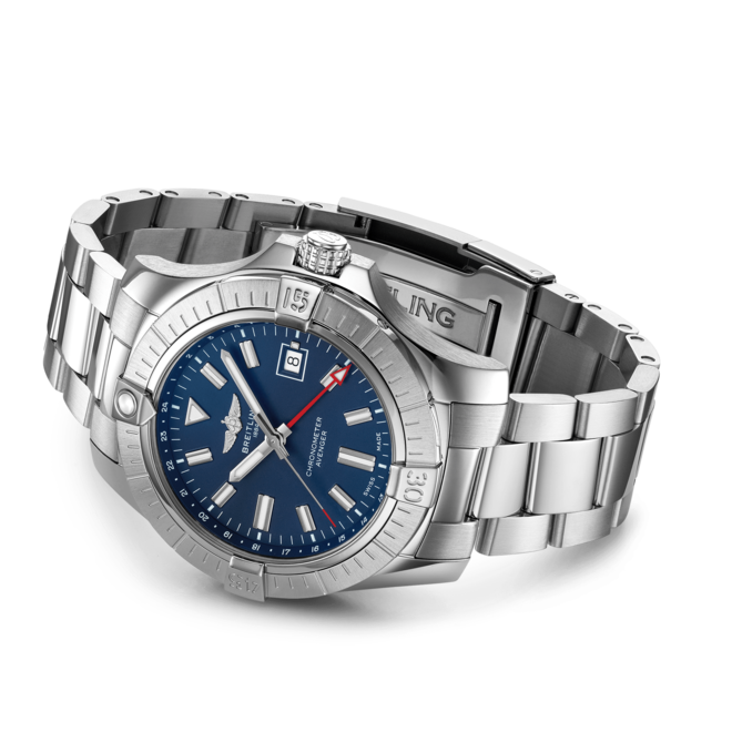 Breitling Avenger Automatic GMT 45 A32395101C1A1