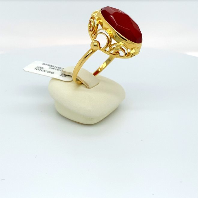 Geelgouden occasion dames ring carneool