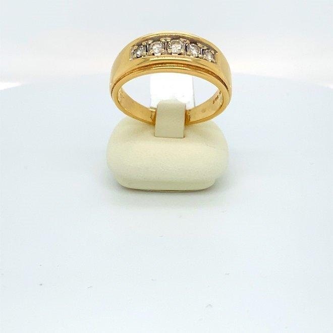 Geelgouden occasion dames ring met diamanten