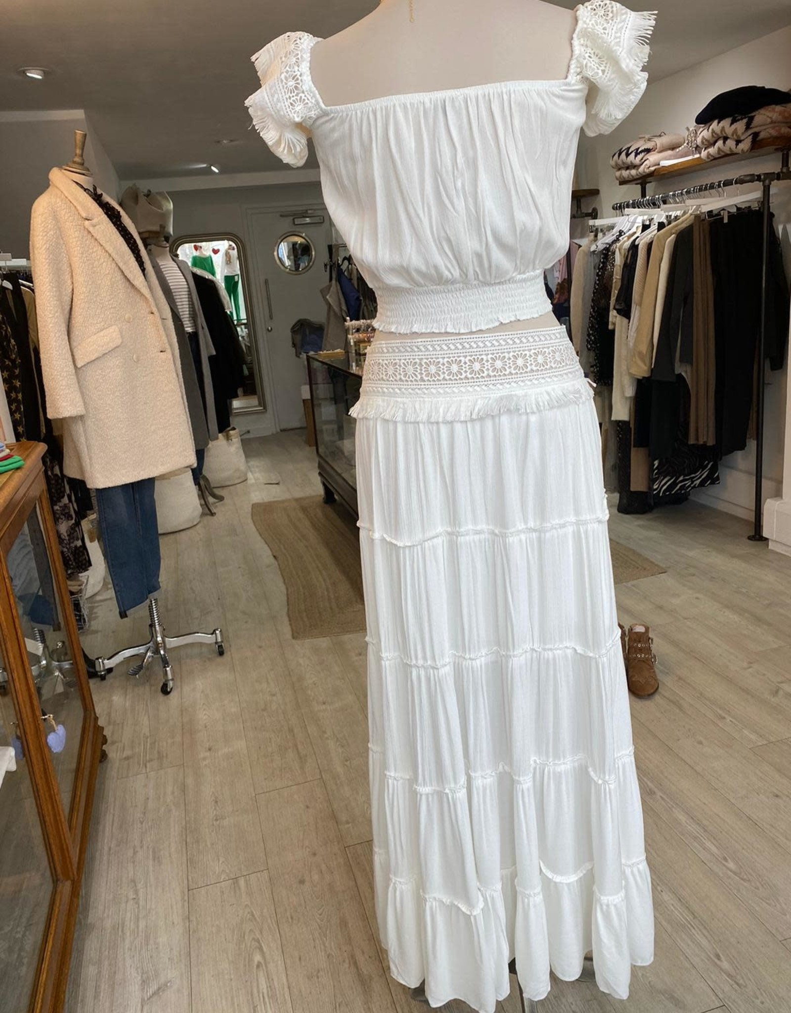 THE NATURAL PEOPLE LUXURY LINEN  BEACH WEAR TNP 003 / 004 2-PIECE SET: BLOUSE WITH FRINGE AND MAXI SKIRT