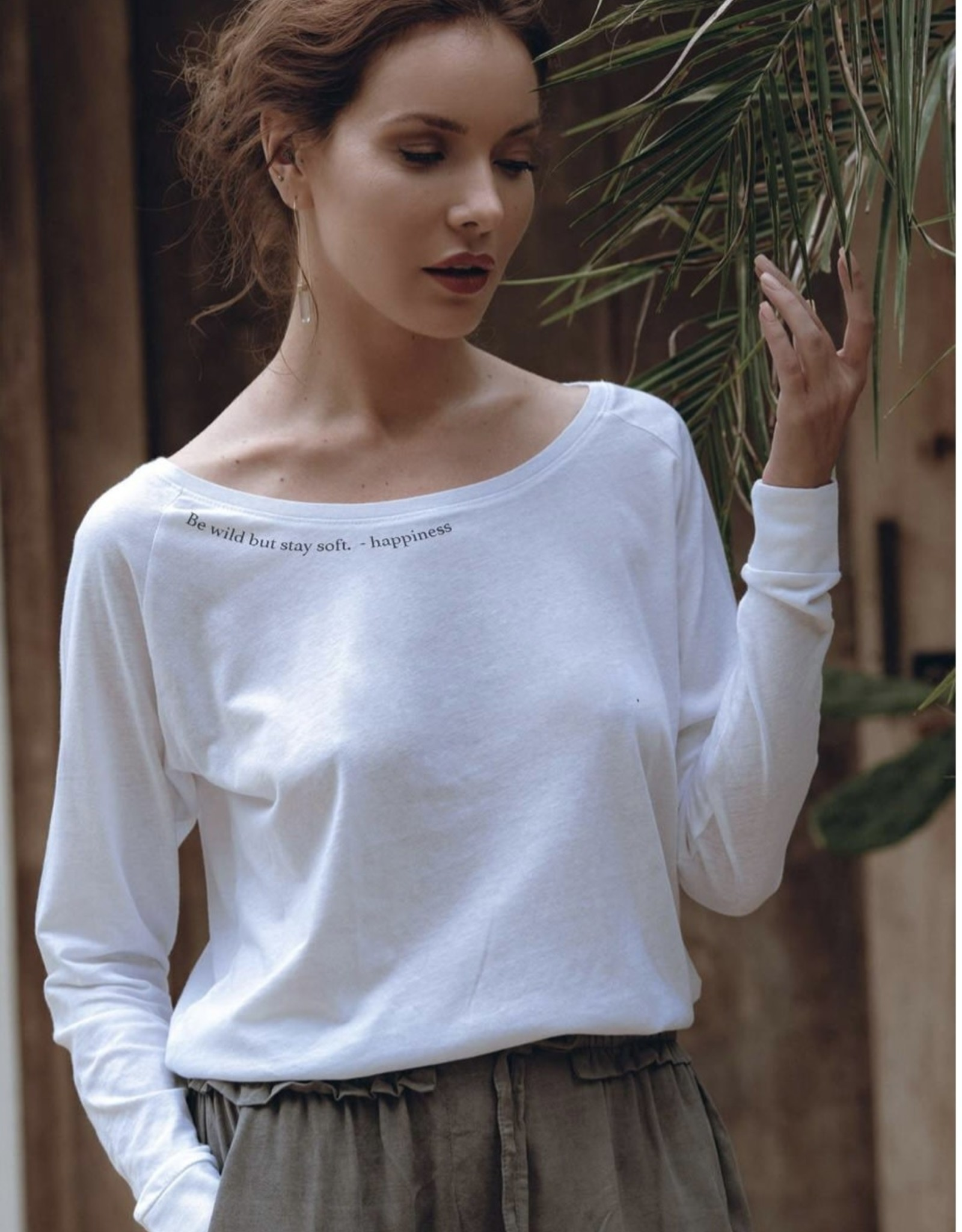 """OM & AH LONDON """"HAPPINESS"""" WHITE LONG SLEEVE T-SHIRT 8852 BY OM&AH"""
