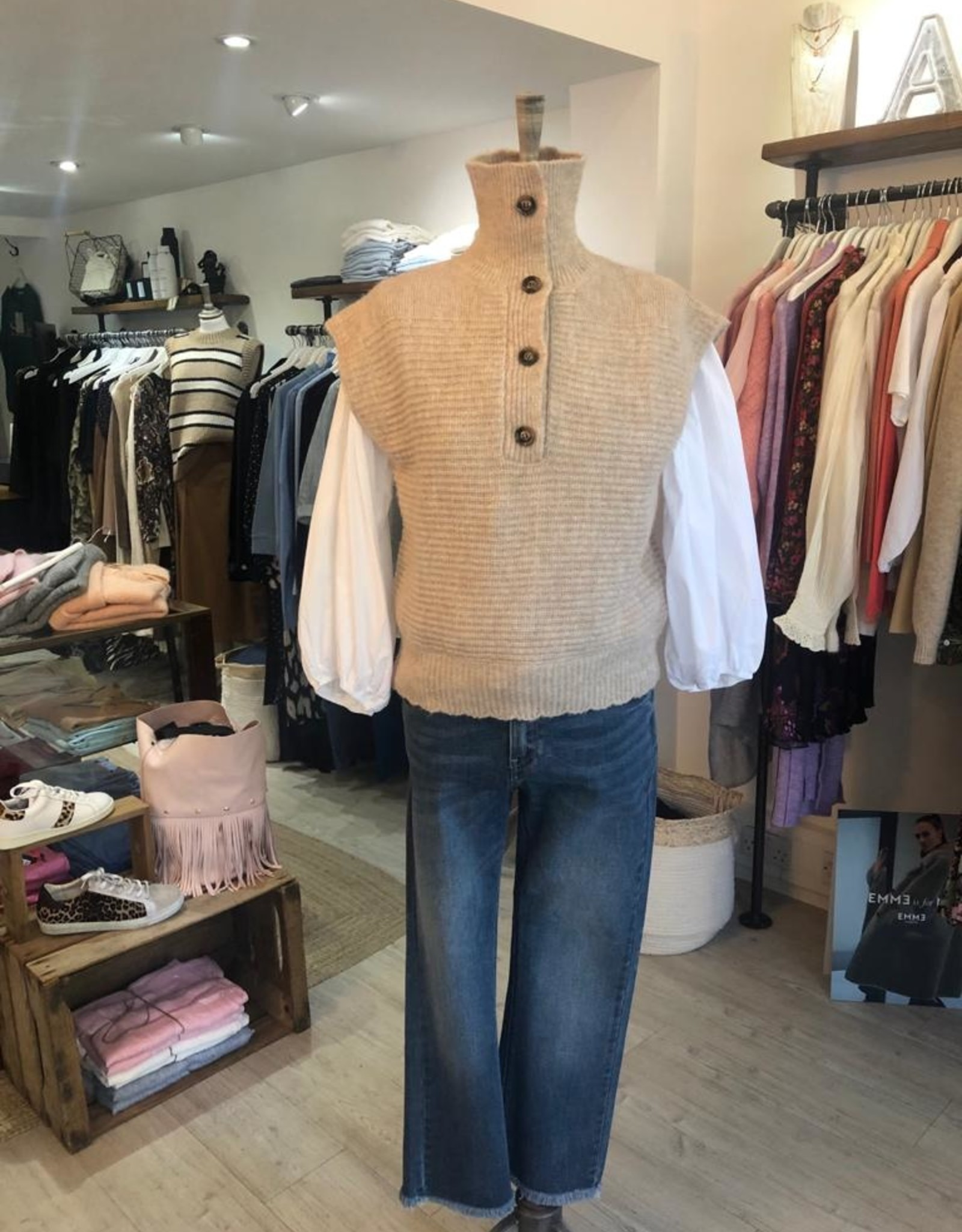 """FRNCH KNITTED VEST """" NELI """" MS21-30 BY FRNCH"""