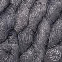«Woolpack Yarn Collection» Soie bio, Ahimsa – Ardoise, soie de papillons vivants