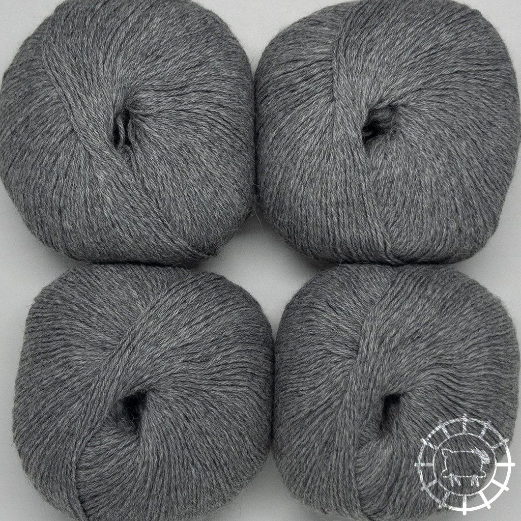 «Woolpack Yarn Collection» Baby Alpaca Socks – Gris clair