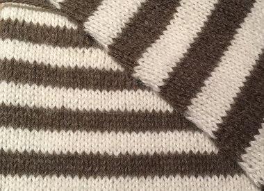 Les fils avec de la laine d'alpaga