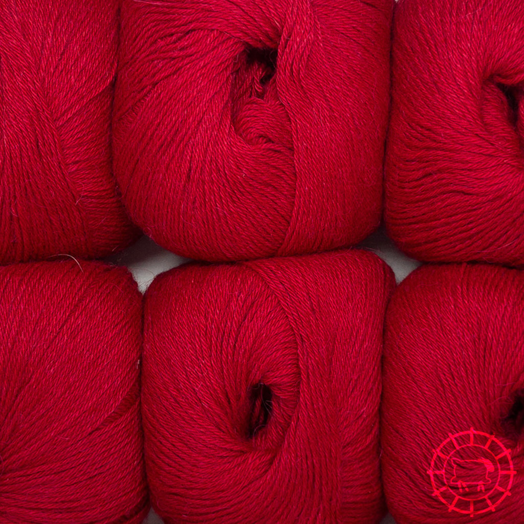 «Woolpack Yarn Collection» Baby Alpaca Socks – Rouge