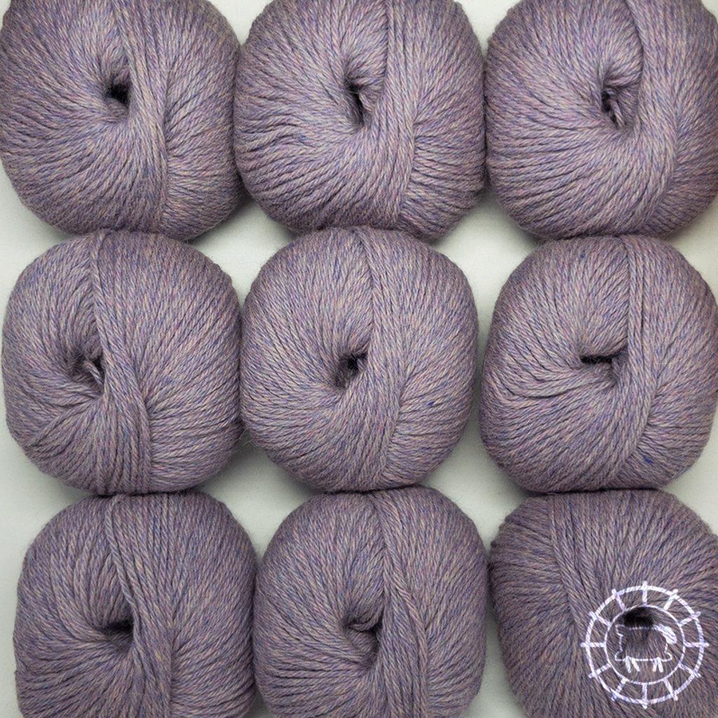 «Woolpack Yarn Collection» Baby Alpaka DK – Grau-Lila, limitierte Farbe
