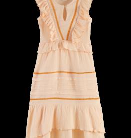 Scotch & Soda Scotch R'Belle licht oranjemaxi jurk met ruches  en opengewerkte stof