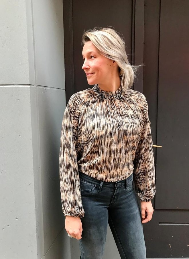 Second Female W20 roger blouse