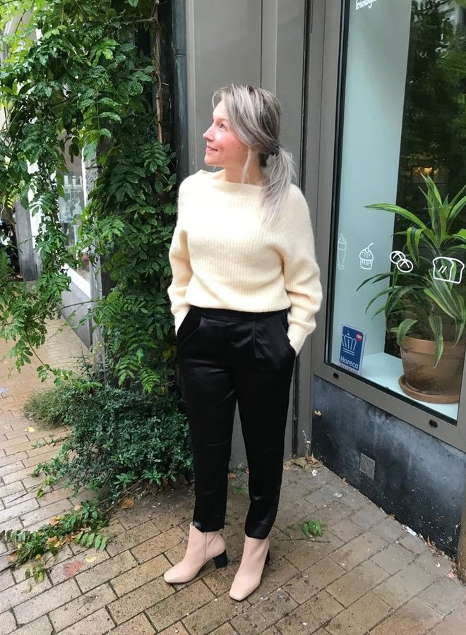 Second Female W20F galis knit off shoulder beige