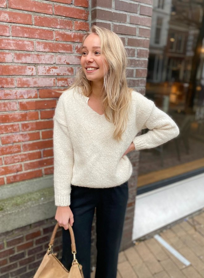 Knit-ted begonia pull ivory