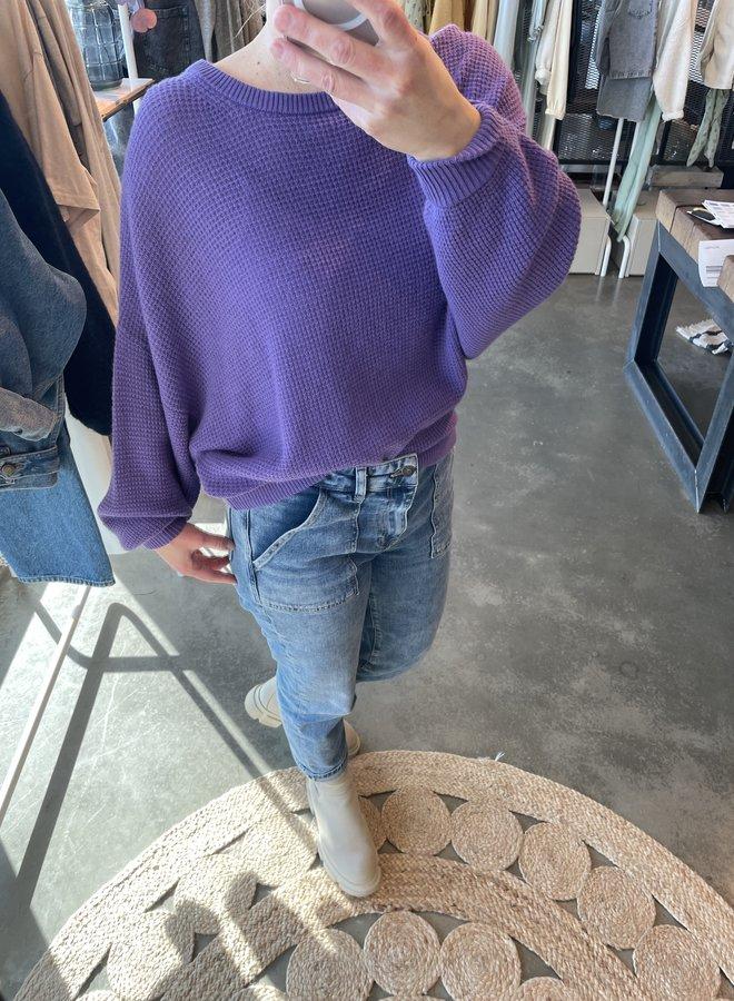 American V. nizy trui violet