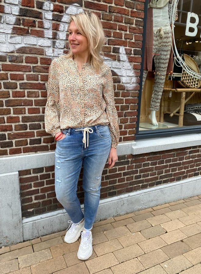 Circle amber jeans blue weather