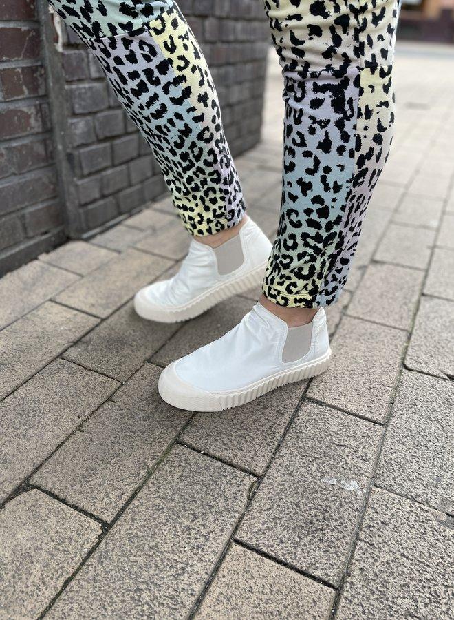 10days slip on sneaker safari