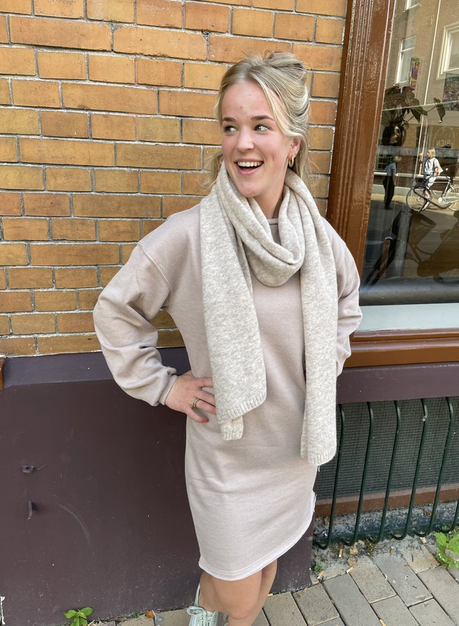 Knit-ted evi scarf sand
