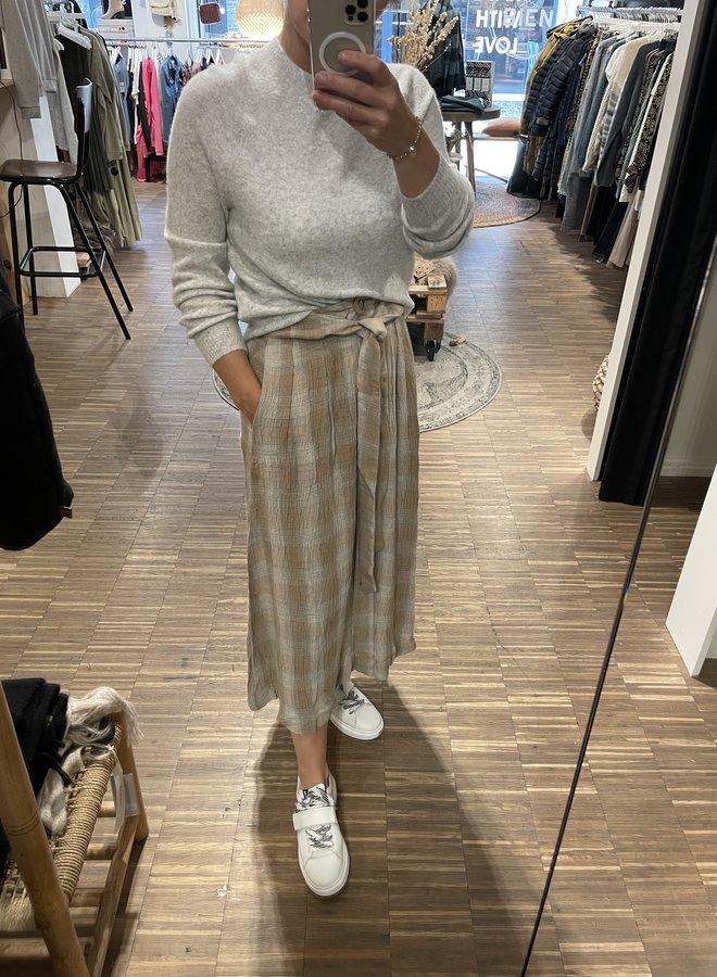 Ruby Tuesday canei long skirt taffy