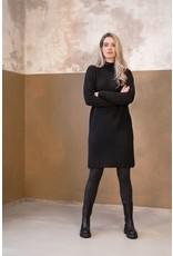 Zusss Zusss Gebreide jurk met col en split zwart