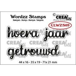 CLWZS09 - Crealies Clearstamp Wordzz Hoera getrouwd (NL)  71x21mm