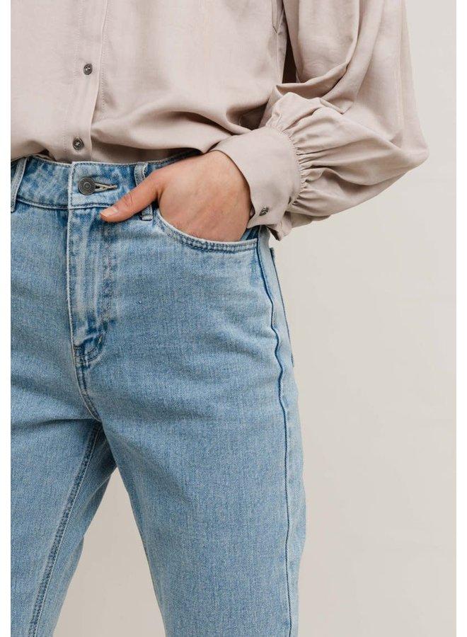 Lova Jeans
