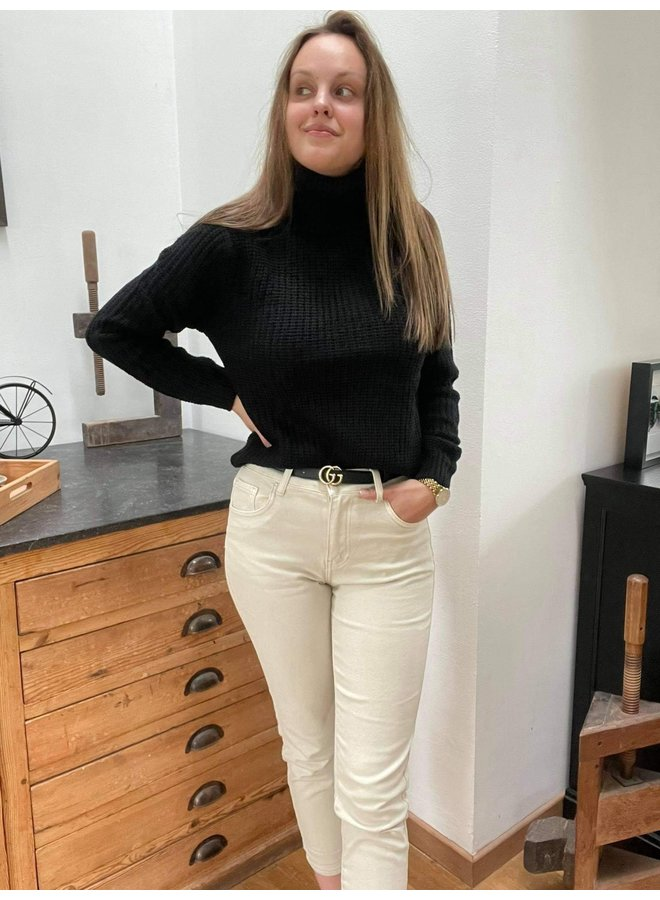 Beige Mom Fit