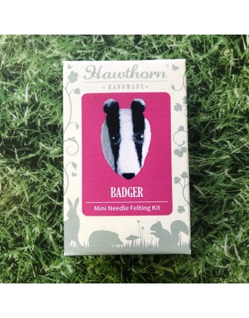 Hawthorn Handmade Needle Felt Badger Brooch Kit