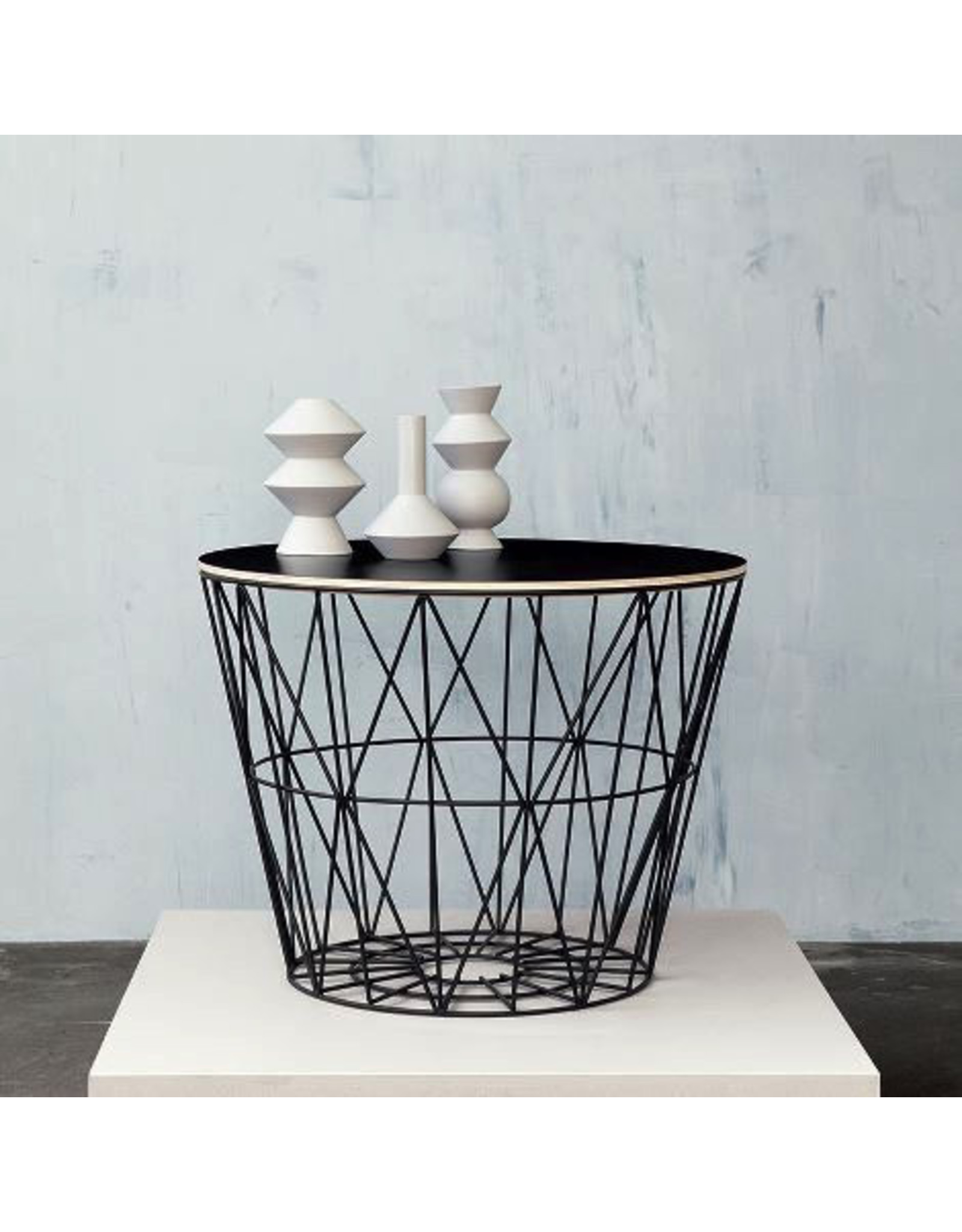 FERM LIVING Wire Basket Top medium Black