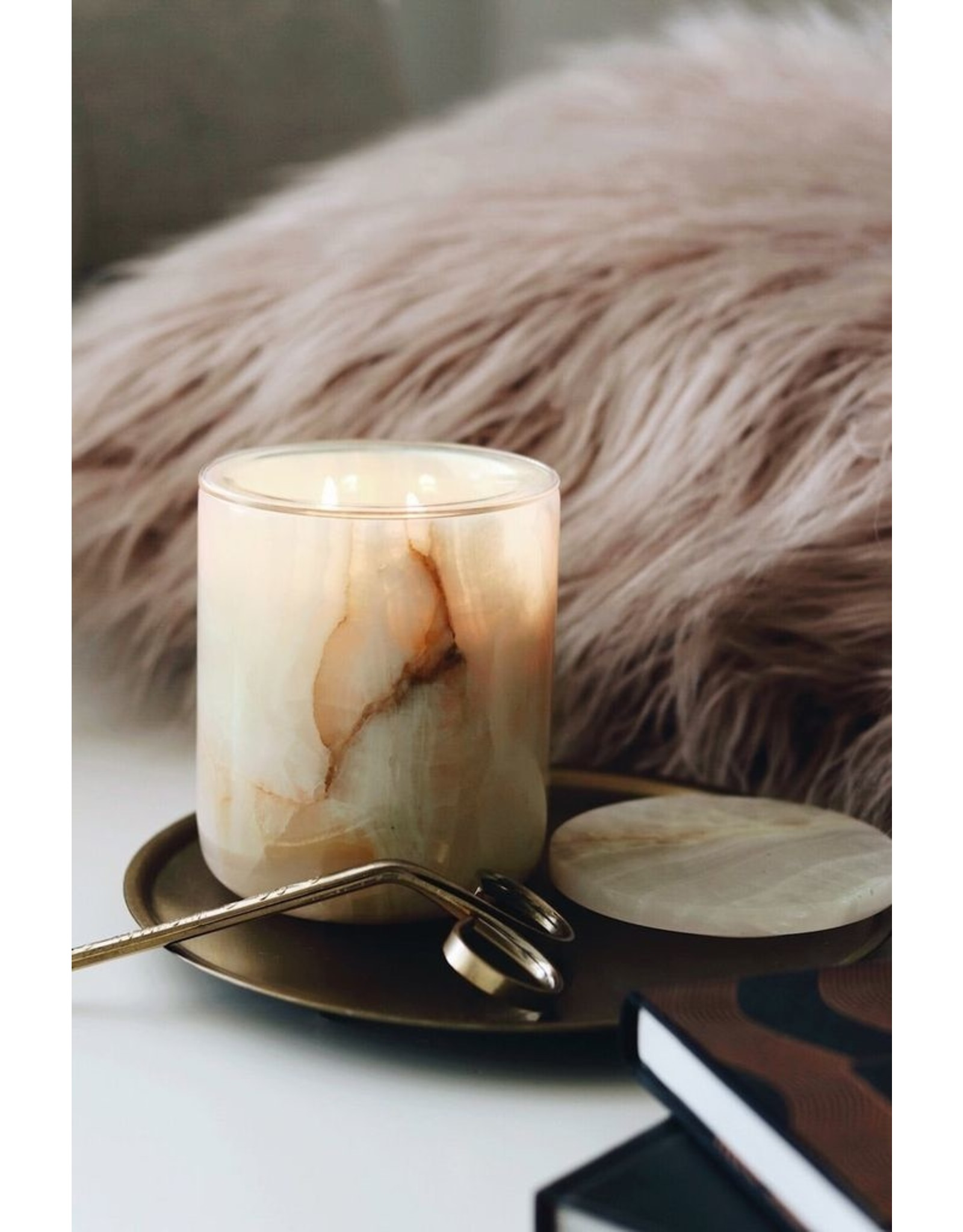 THE LUXURIATE NATURAL ONYX CANDLE HOLDER