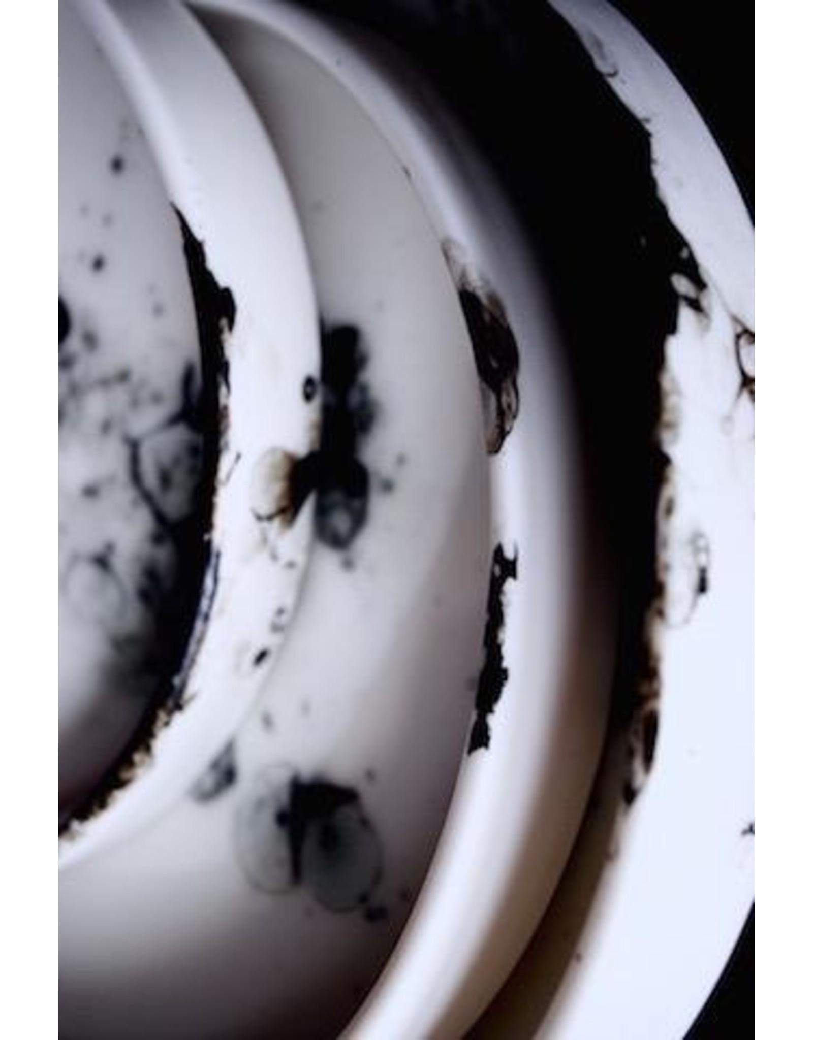 Porcelain Art Studio BONNY (SERVE) PLAT / PLAQUE M D19XH2,5
