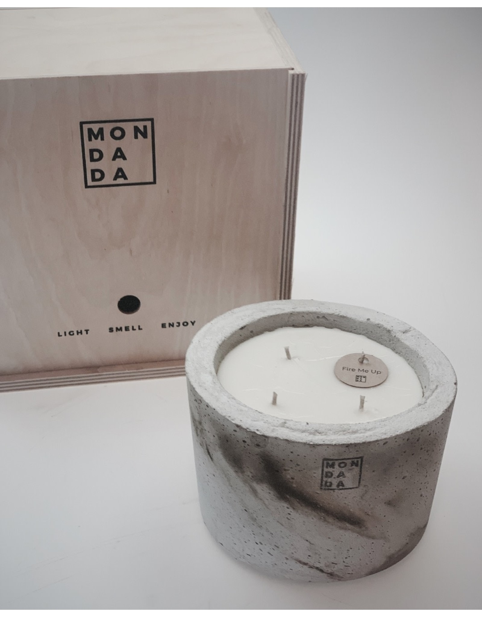 Mon Dada Urban Candle Grey S- Down to Earth