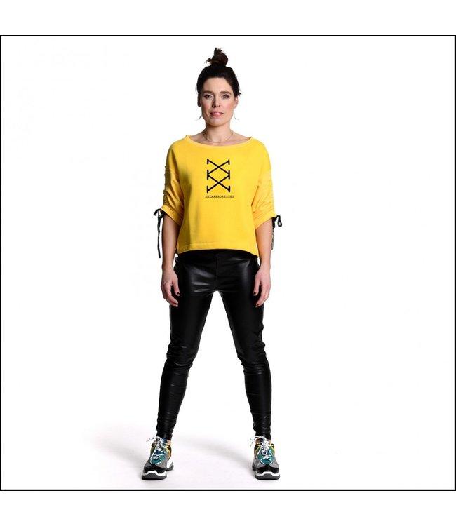 Sneakerdress 21SS012 Sweater print yellow