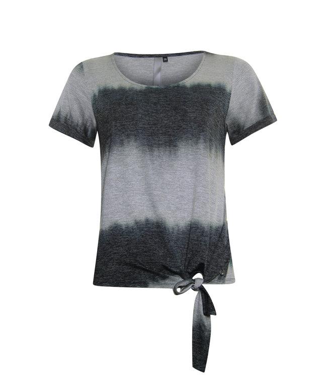 Poools 023119  T-shirt knot