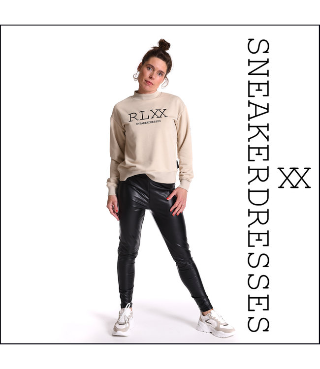 Sneakerdresses 21AW026  Sweater short coll sand