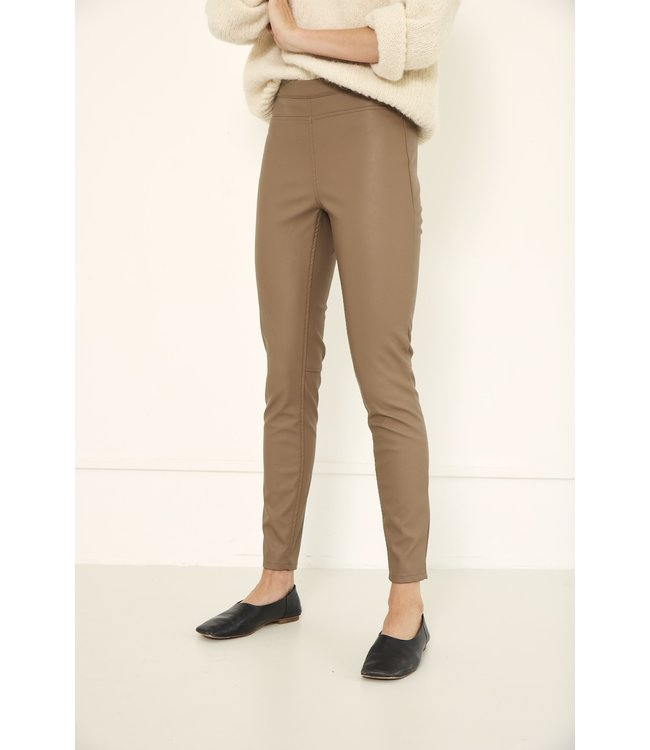 KNIT-TED essentials 212P45-latte  Amber Pants