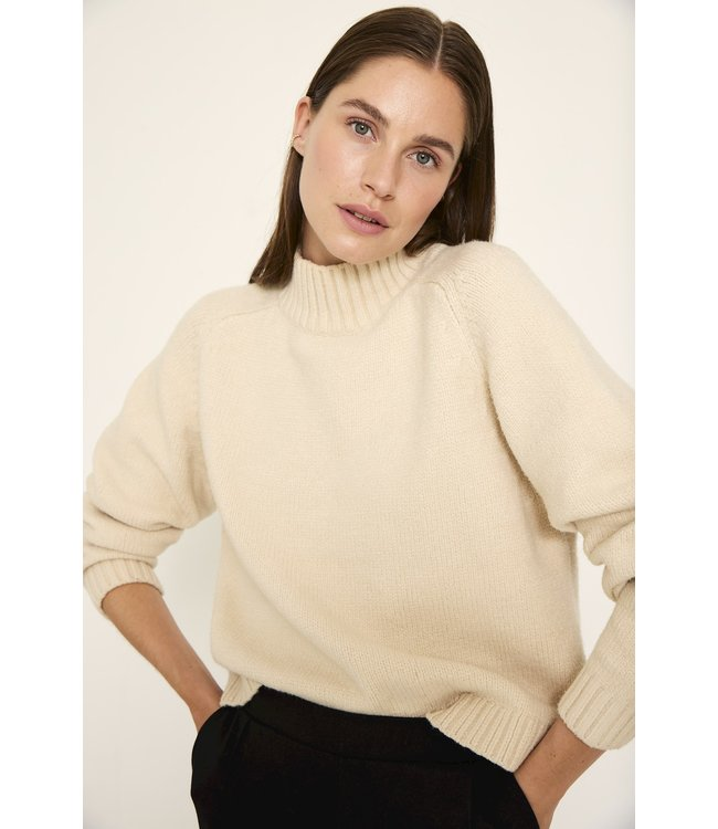 KNIT-TED essentials 212P34  Quinn Pullover