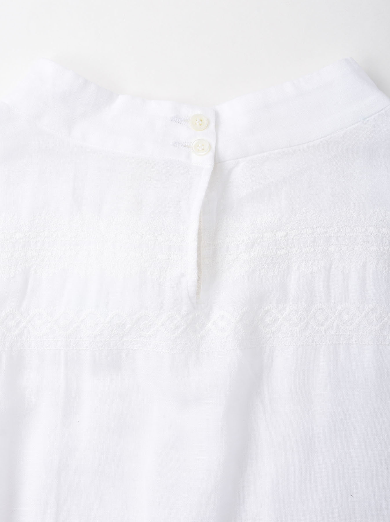 W-cloth Lace Embroidery Blouse-6