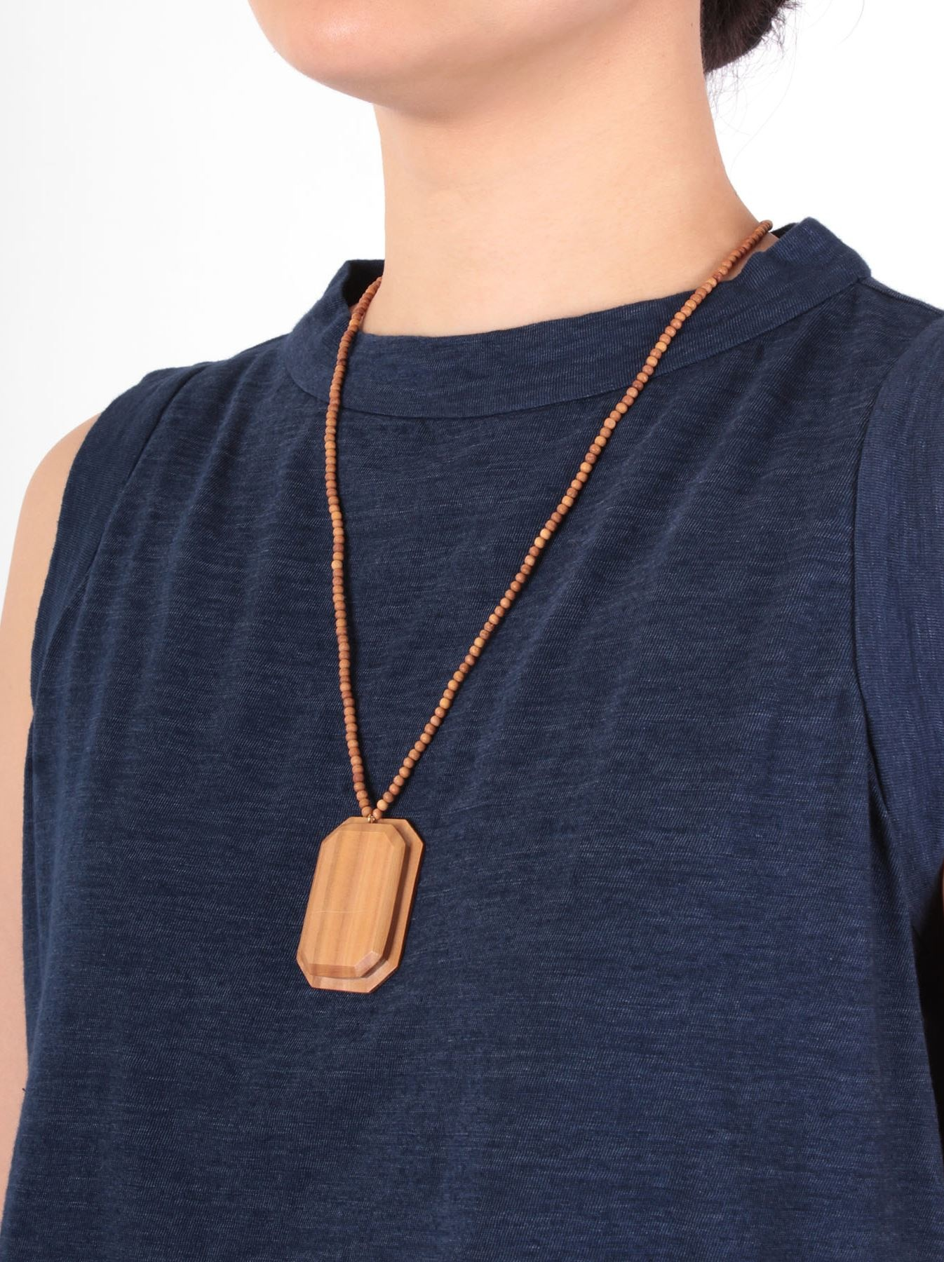 WH Sandalwood Octagon Necklace-2