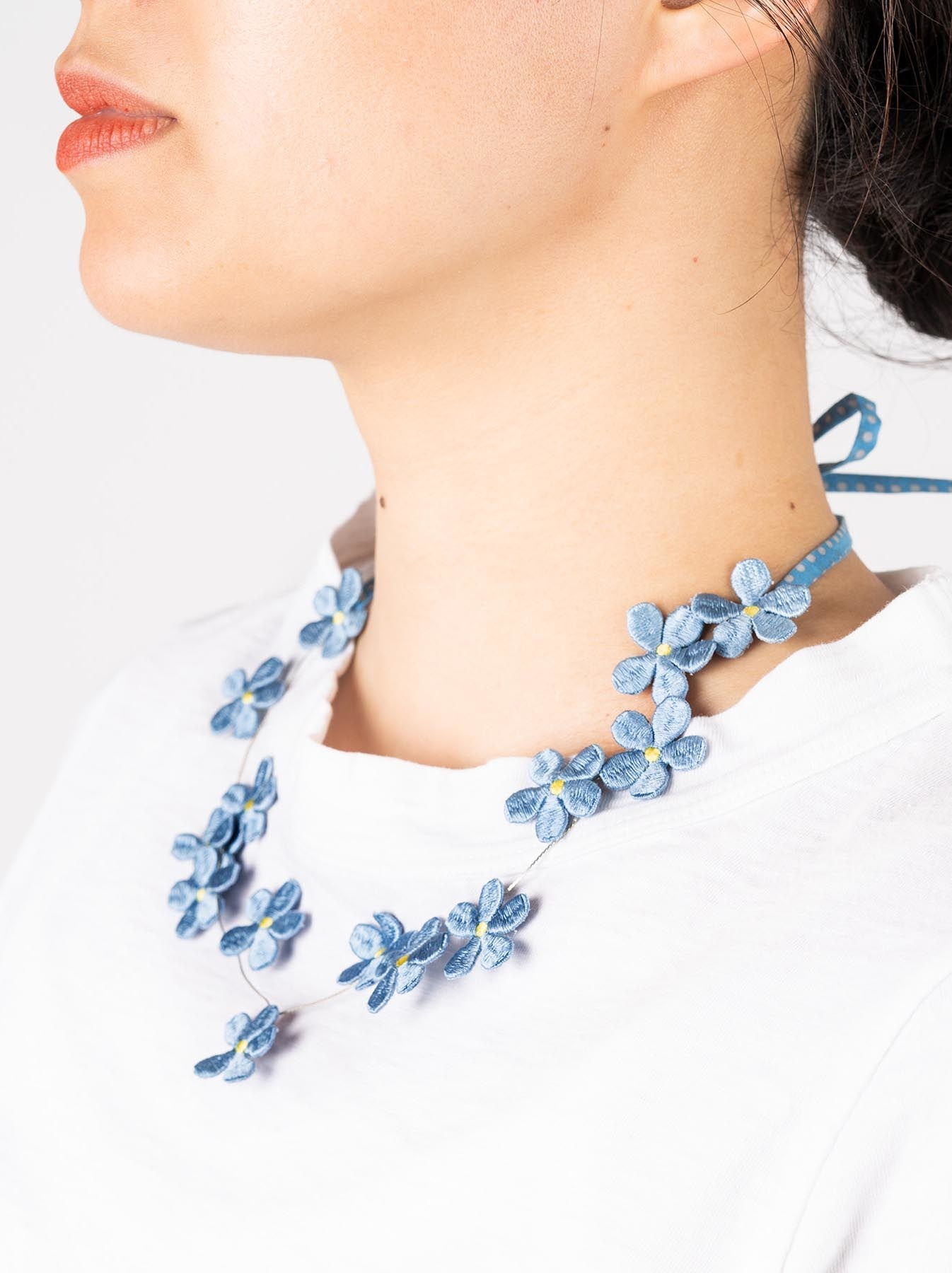 WH Silk Flower Embroidery Necklace-2